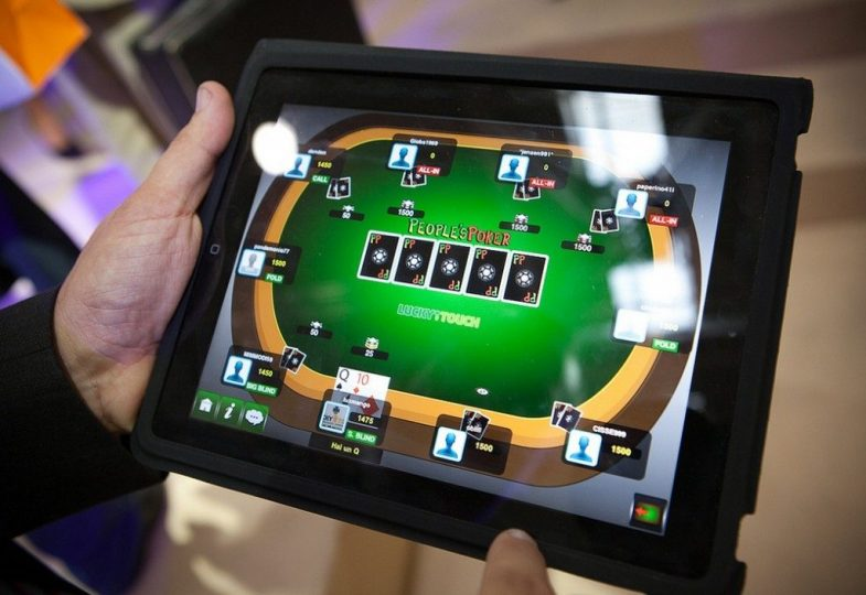 Want A Thriving Enterprise? Deal With Casino